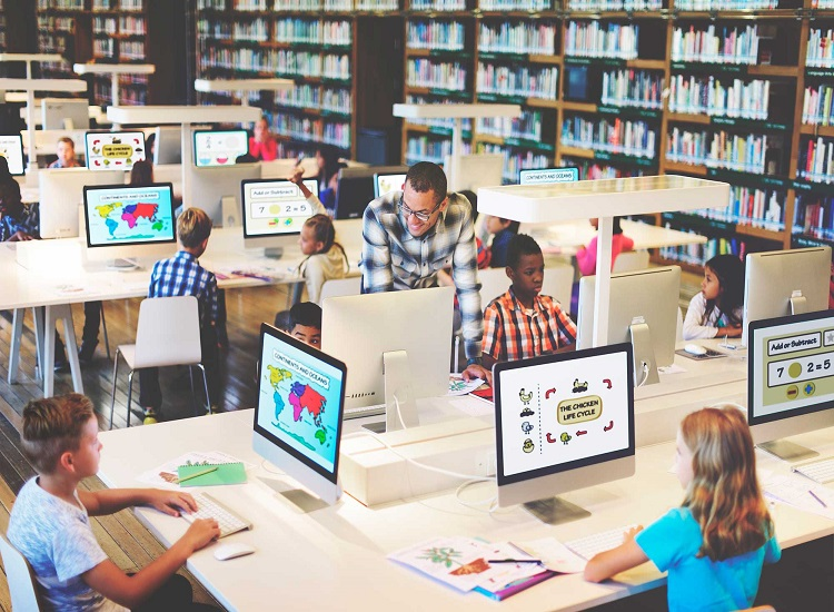 Practical Tips for Teaching Online Groups – an Interview With Author Michelle Glowacki-duka